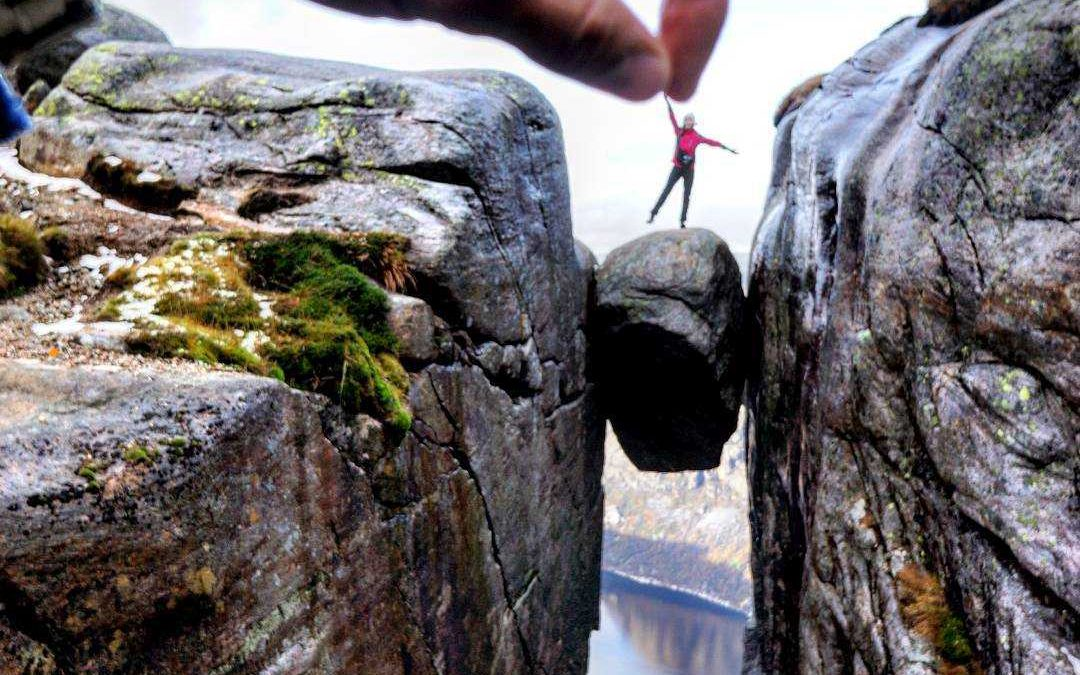 "Kjerag Summer Hike ""Beat the Crowd"""