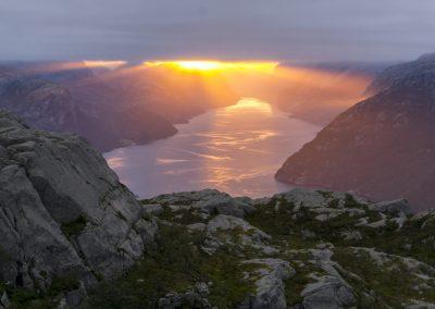Outdoorlife-Norway_Preikestolen-Sunrise-Hike.20170826.10
