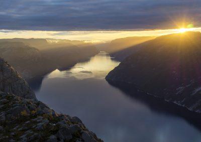 Outdoorlife-Norway_Preikestolen-Sunrise-Hike.20170915.15
