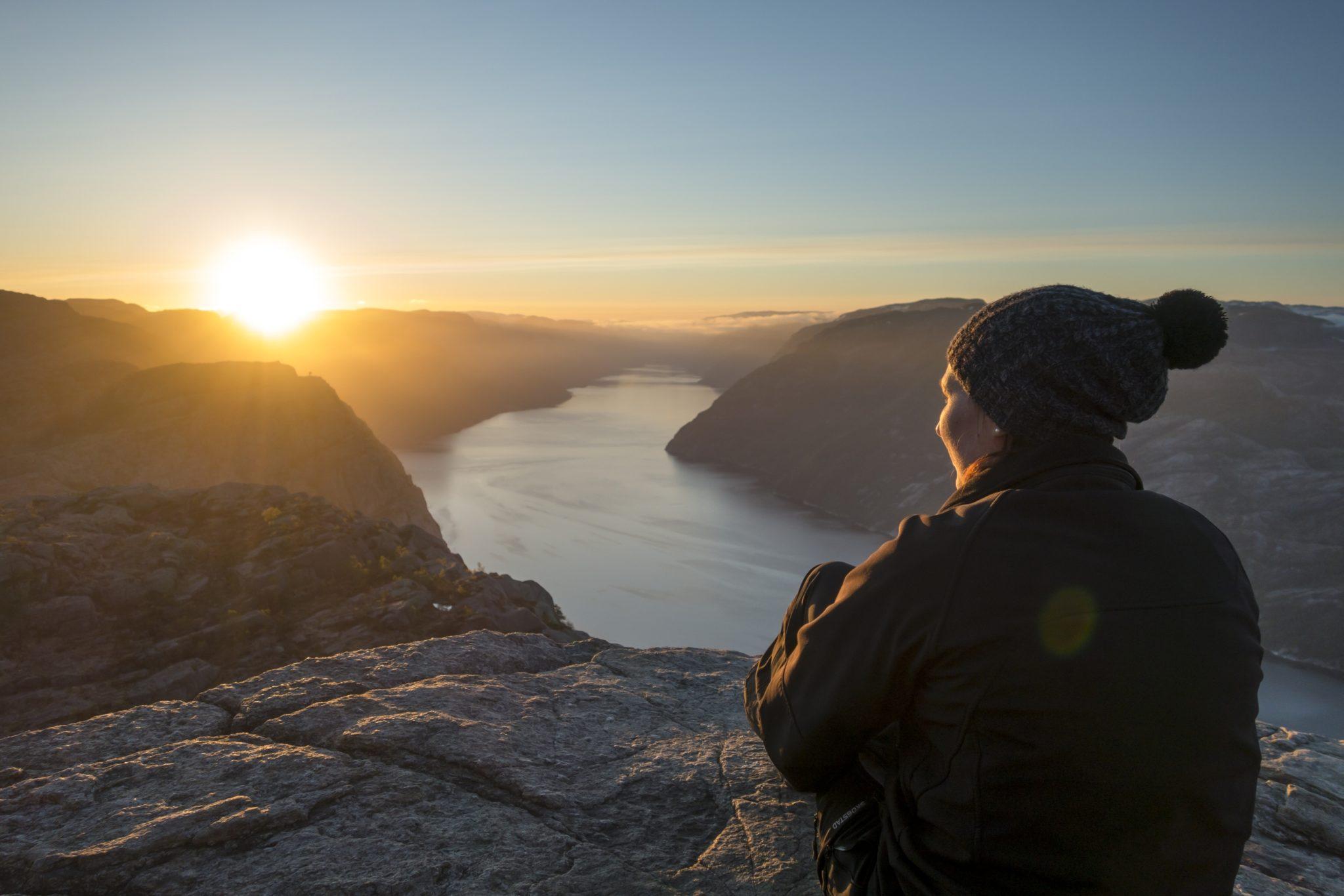 Preikestolen Sunrise Hike - Explore Lysefjorden
