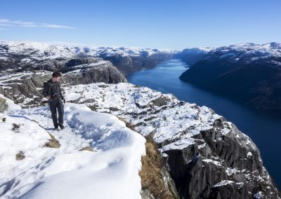 Outdoorlife-Norway_Spring-Hike-To-Preikestolen.20170326.30
