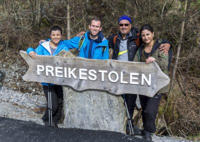 Outdoorlife-Norway_Spring-Hike-To-Preikestolen.20170409.38