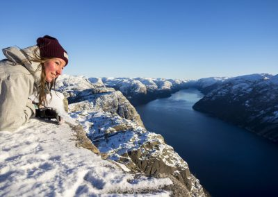 Preikestolen-Winter-Hike- happy