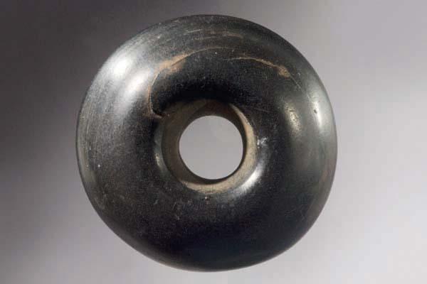 perle-av-jet.-Arkeologisk-Museum
