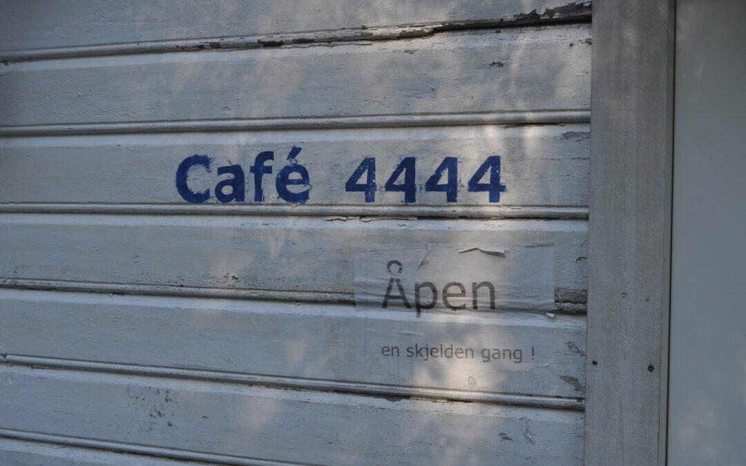 Cafe 4444