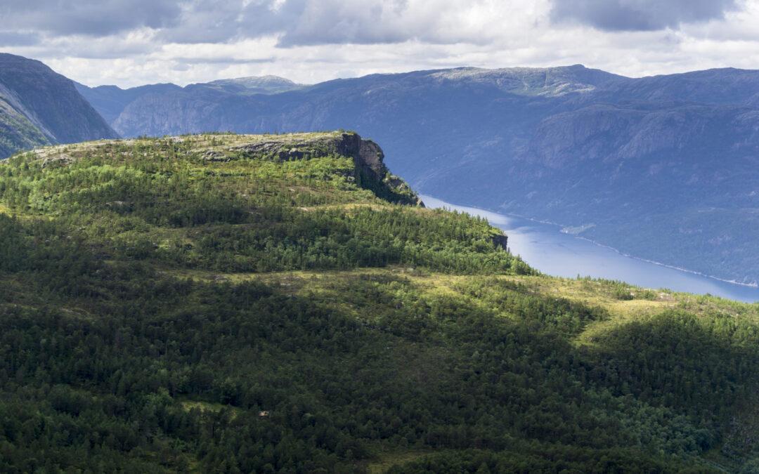 Outdoorlife-Norway_Florli-4444-Stairs-Hike_02